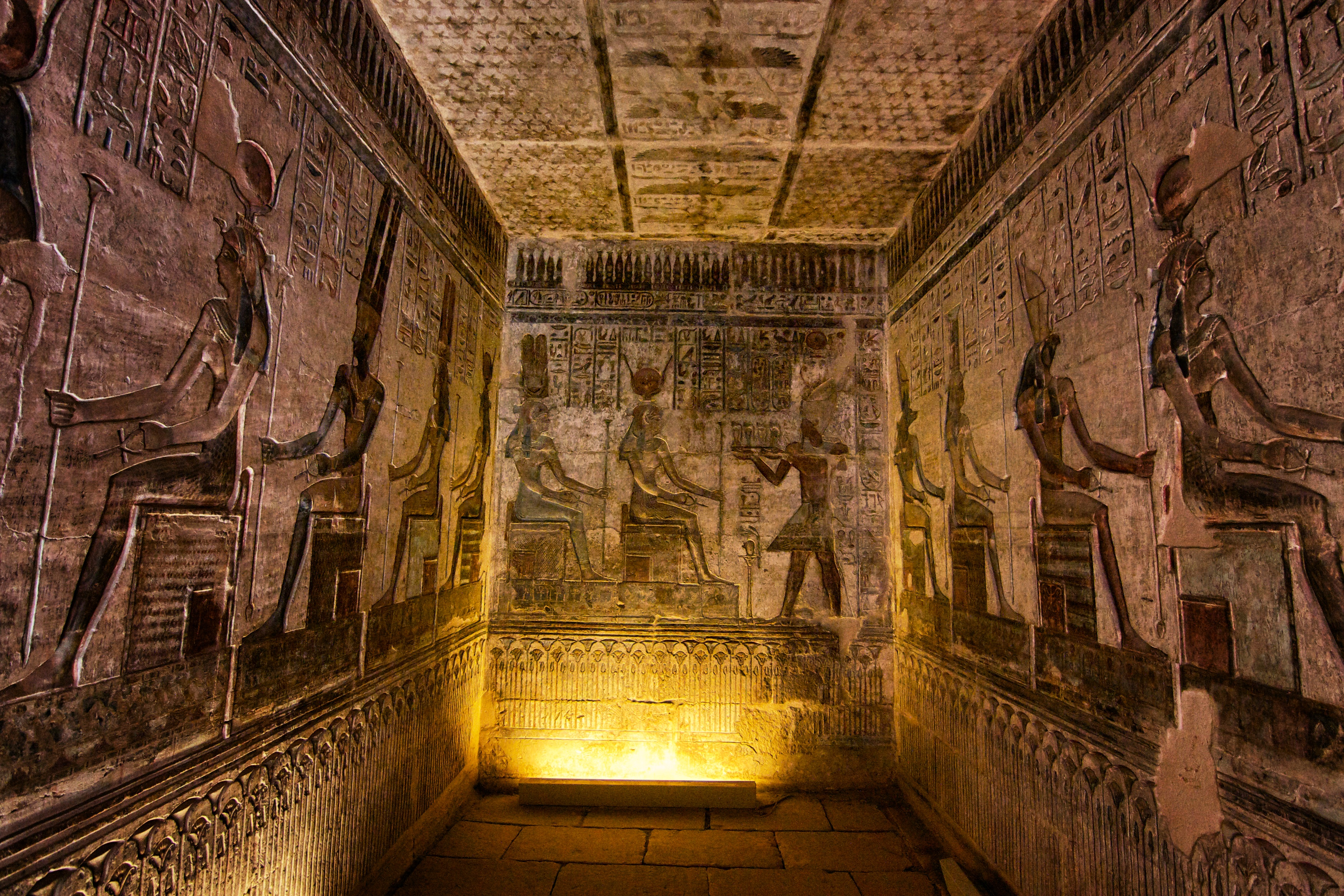 King tut s tomb the extraordinary literary historical for Interior piramide keops